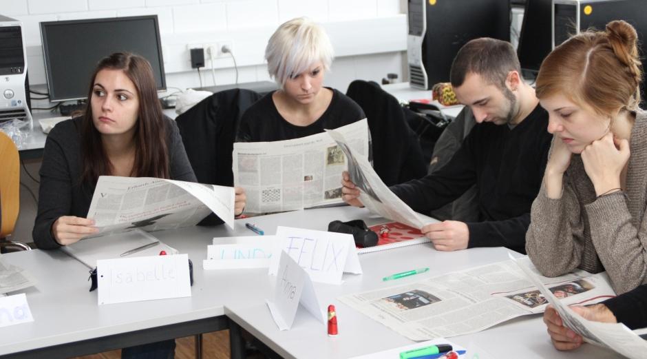 Schreiben fürs Sprechen: Wie macht man aus einem Zeitungsartikel einen  flotten Beitrag?