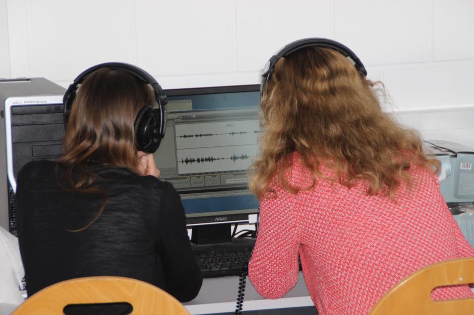 Ran an die eingefangenen O-Töne: Im Workshop wurden die ersten Daten geschnitten und abgemischt.